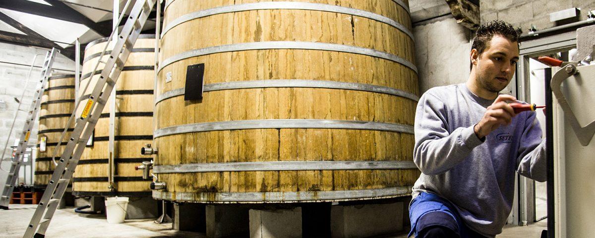 controle-niveaux-cuves-stockage-cognac