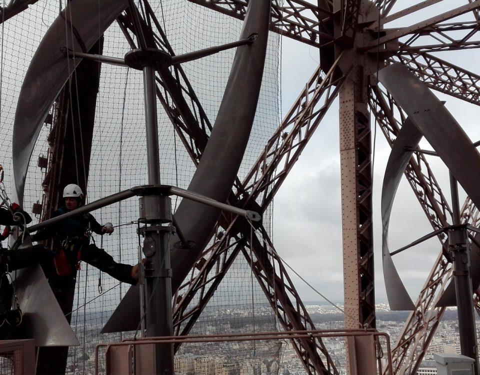 intervention-maintenance-eoliennes-tour-eiffel